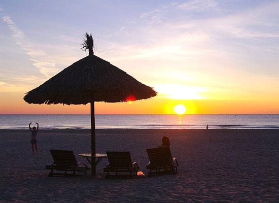 my-khe-beach2 - Hue to Hoi An by car