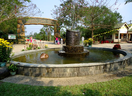 thanh tan spa - Thanh Tan Mineral Springs – Tour Hue