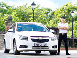 Danang to Hue by car - Toyota-Altis for Private Cars