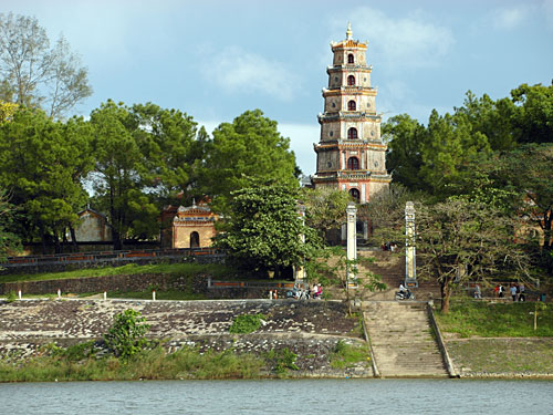 hue-thien-mu-pagoda hue tour - Hue Sightseeing Group Tour