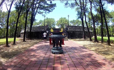 Dan Nam Giao - Hue City Tour
