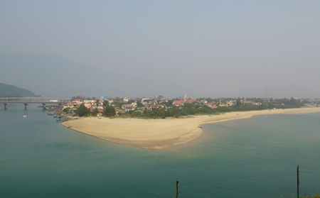lang co beach - Hoi An to Hue