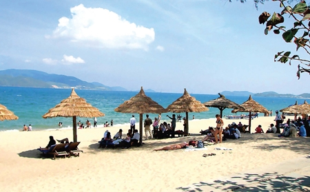 my khe beach - Hoi An to Hue