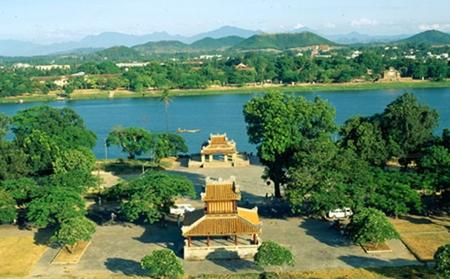 Ngu Binh - hue city tour - hue tour - tour hue