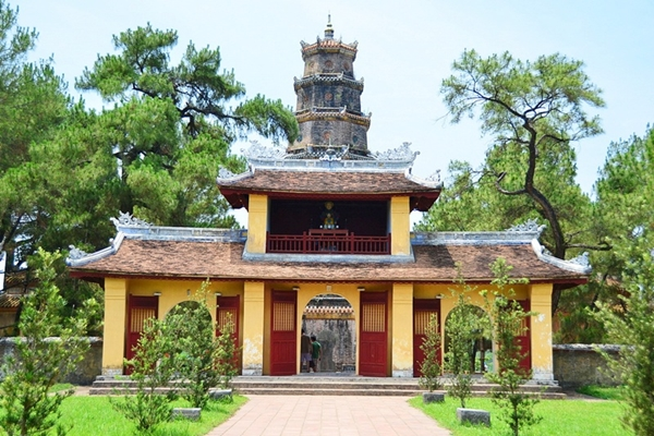 thien-mu-pagoda-thing to do in hue