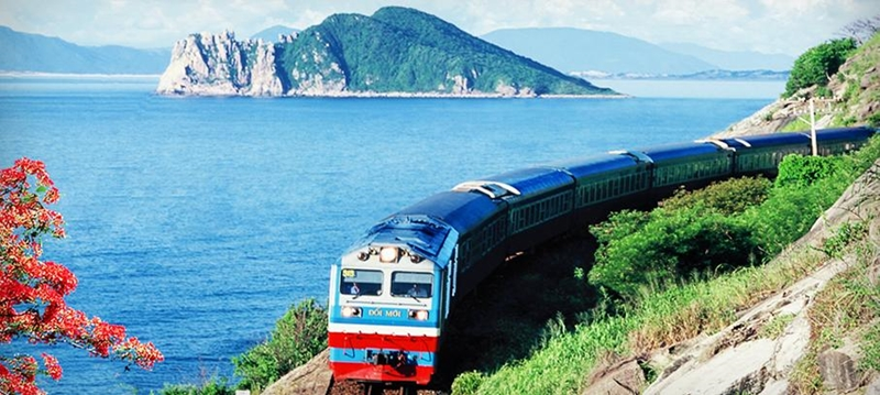 Getting to Hue by train from ( Hanoi - Saigon - Danang)