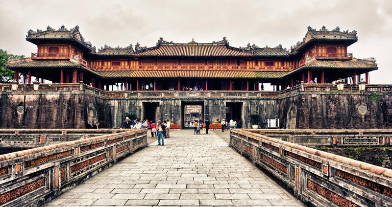 hue citadel - hue travel guide - thong to do in hue