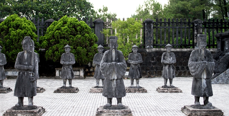khai dinh tomb hue tombs - hue travel guide