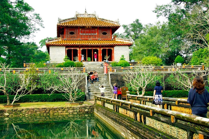 minh mang tomb - hue travel guide