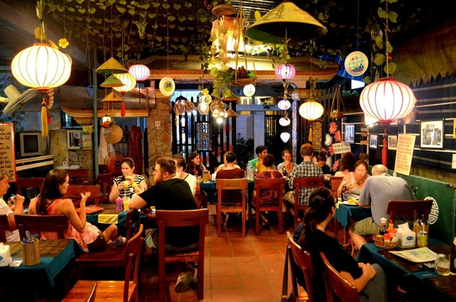 nina cafe thing to do in Hue