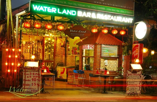waterland-bar-restaurant - thing to do in Hue - what tp eat