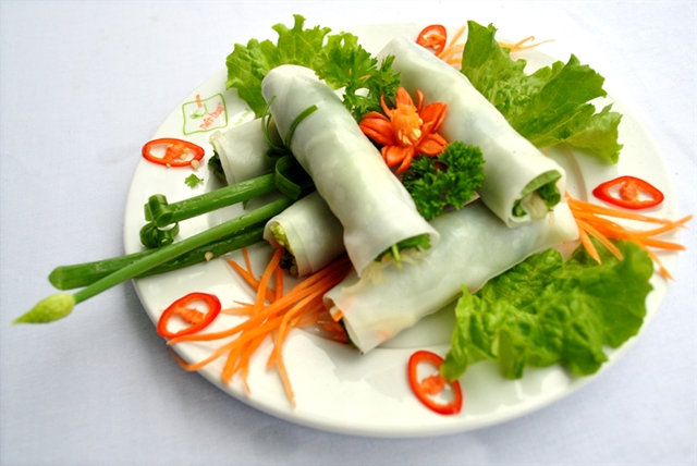 banh_uot_thit_nuong_what_to_eat_in_hue