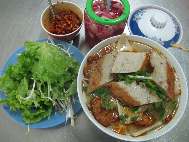 bun-cha-ca-hue-what to eat in Hue