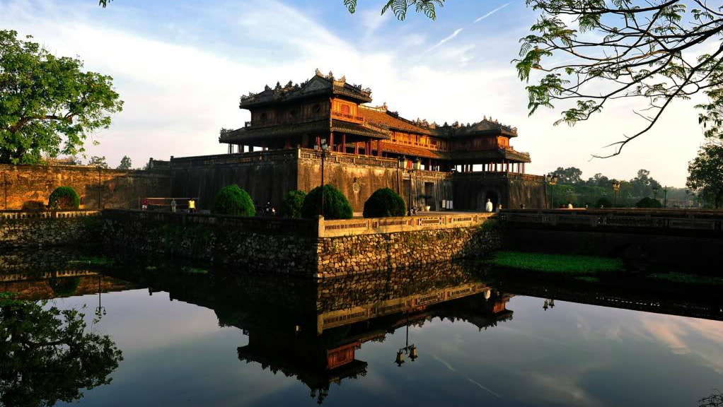 - Hoi An - Hue - Hoi An 1 day Group Tour