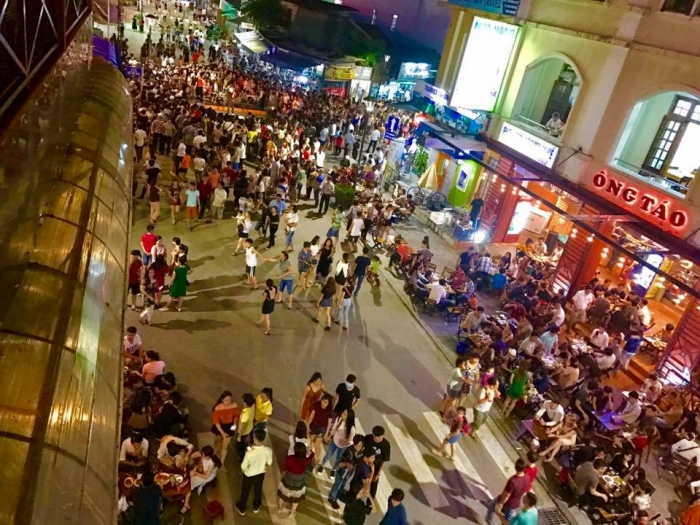 Hue Walking Street, things to do and best places to eat