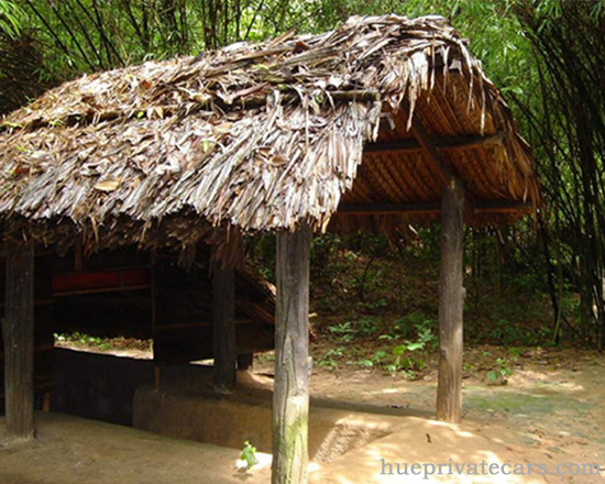 Cu Chi Tunnels Full Day Tour - Cu Chi Tunnels Hut
