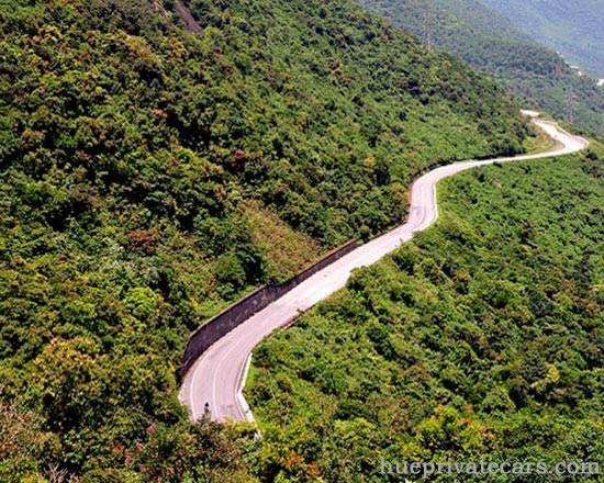 Hue – Da Nang Transfer by Private Car - Hai Van Pass