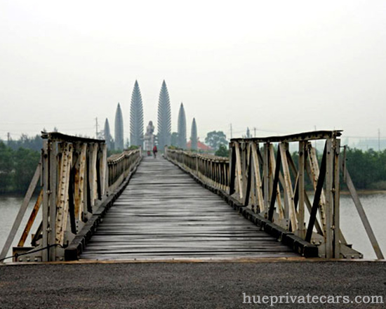 Hue – Dmz (Demilitarized Zone) 1 Day - Hien Luong Bridge