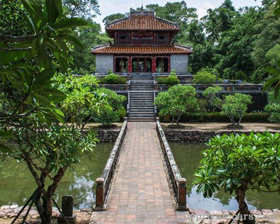 Hue city tour 1 day - Minh Mang Tomb