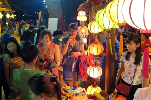tip for shopping in Hue - Hue travel guide