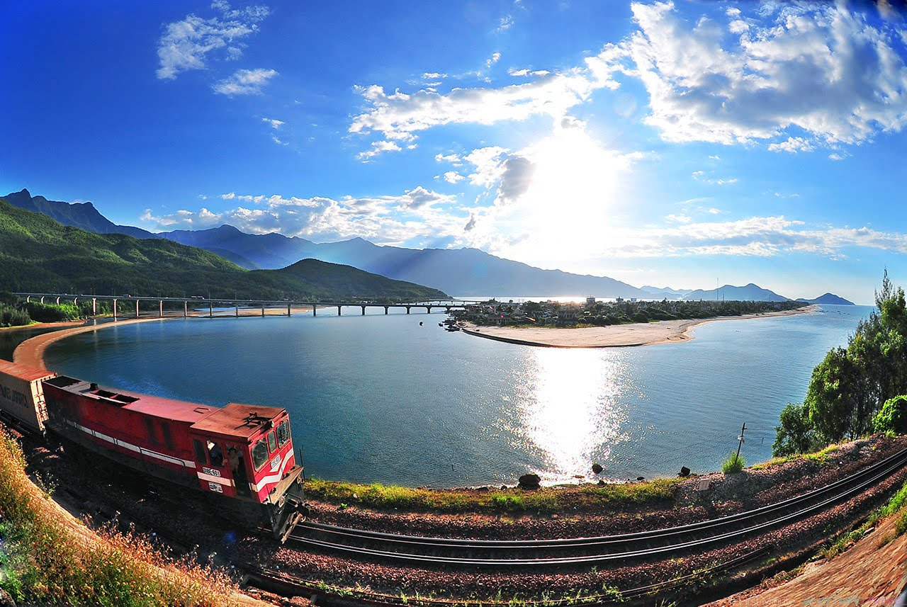 Transfer to Hoi An by Train